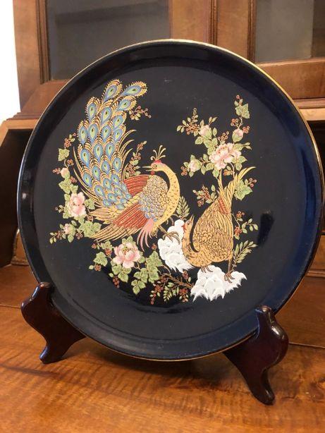 Pratos decorativos em porcelana