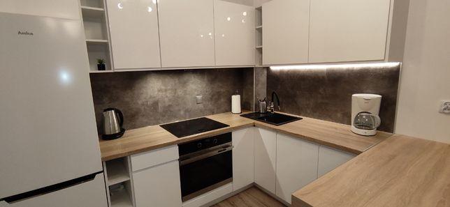 Nowe mieszkanie 2 pok. + miejsce postojowe w cenie wynajmu