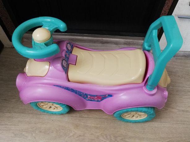 Продам машинку дитячу.