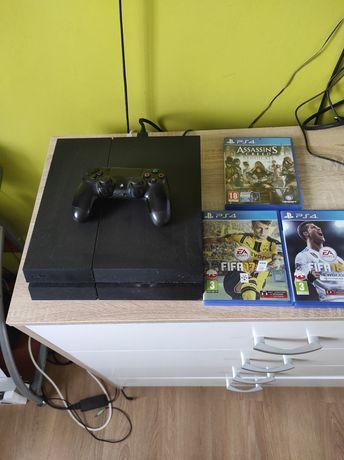 Sprzedam konsole PS4 z grami