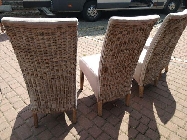 Krzesła z wikliną