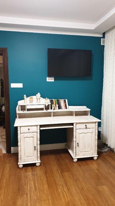 Sprzedam śliczne stylowe biurko Lubin - image 1