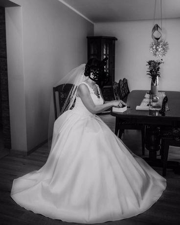 Suknia ślubna CLASSA roz. 38