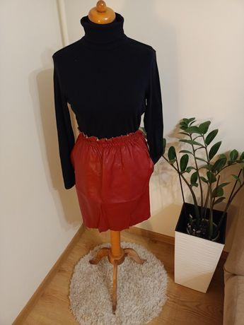 Skórzana bordowa spódnica z kieszeniami