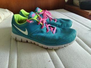 Buty biegowe Nike flex . R . 38.5 . Wkładka24 cm .