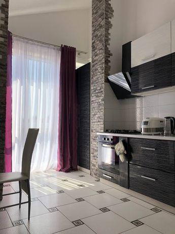 Продам укомплектовану 3 кімнатну дворівневу квартиру! 70м2! VV