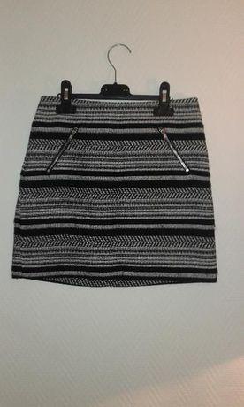 Czarno biała spódniczka z wysokim stanem high waist zamek H&M 32 xs