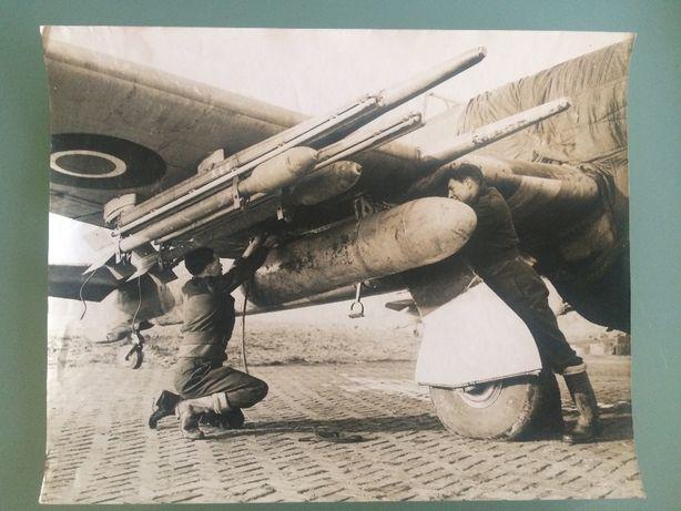 Lote de 24 Fotografias da II Guerra Mundial - Lado Britânico (Aliados)