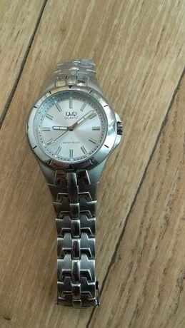 Мужские часы с браслетом