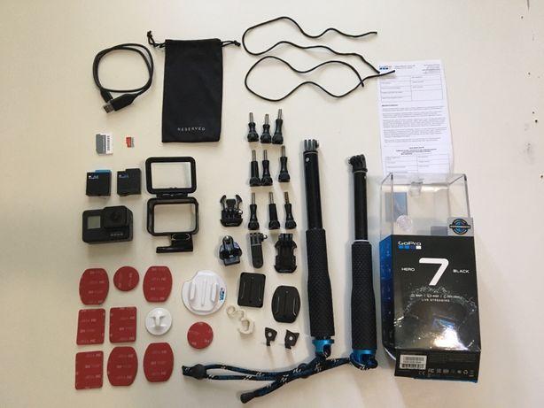 GoPro HERO 7 Black + Карта 128GB + 2 акб, Крепежи, 2 Монопода и др...