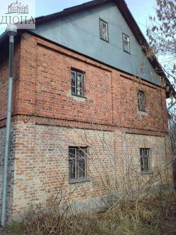 Будинок в районі панчішної фабрики