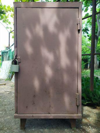 СРОЧНО металлический железный шкаф сейф1,20 высота,60х72см,металл 3 мм