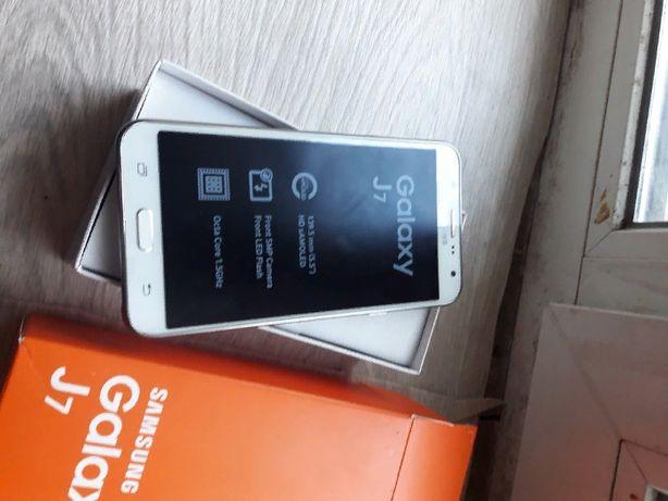 продам телефон самсунг j7 в идеальном состоянии или обменяю