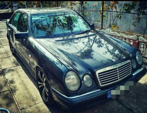 Mercedes w210 разбор(капот,салон,фары)