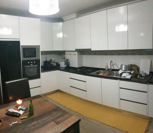 Apartamento T3 RC c/ Terraço Oliveira do Bairro