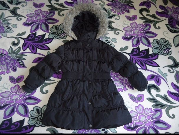 курточка пальто  на девочку 3-4года