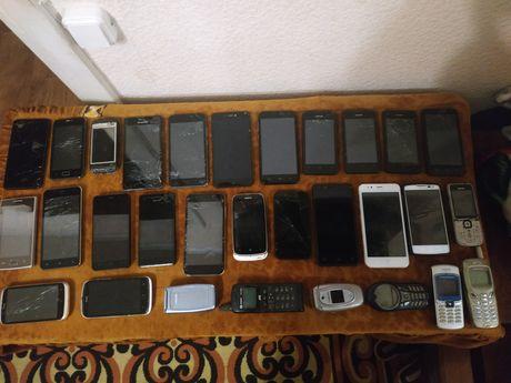 Лот смартфонов и телефонов