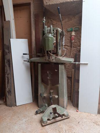 Furador de corrente carpintaria