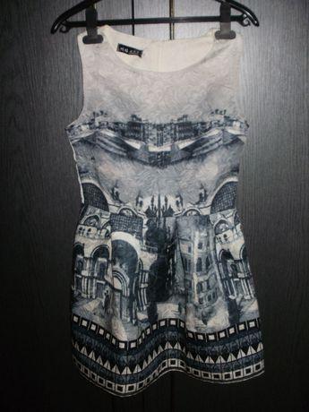 Sukienka z pięknym nadrukiem w rozm. S