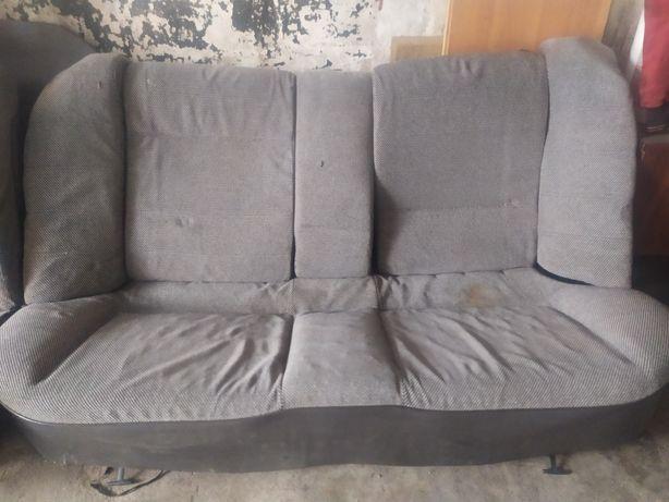 Продам комплект  задних сидений Опель Омега
