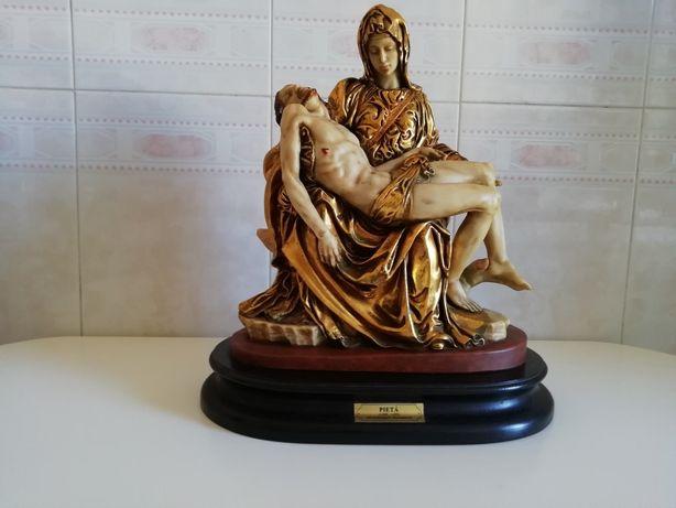 "Estatueta ""Lá Pietá"""