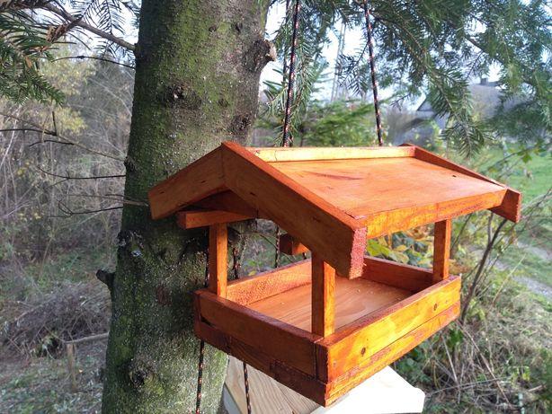 Karmnik dla ptaków, paśnik, budka, domek