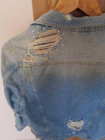 Katana jeansowa z dziurami luźna Guess