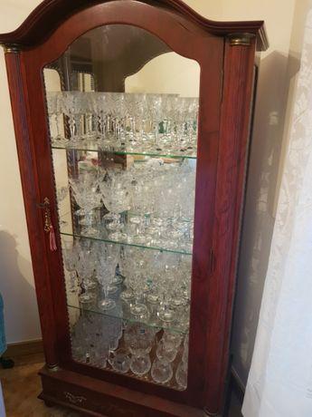 Cristaleira Bohemia com vários conjuntos