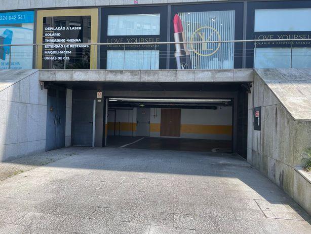 Lugares de Garagem ( 28m2) - Vila Nova de Gaia