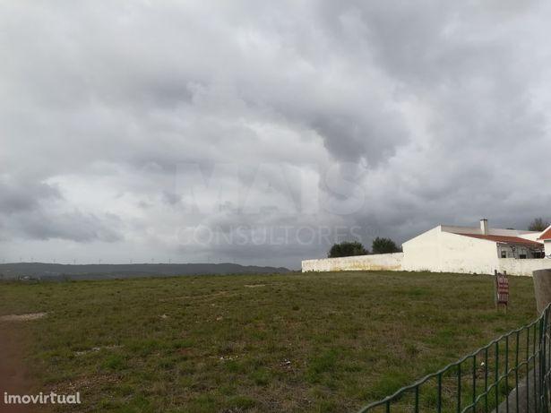Terreno 3000m2- construção de moradias-Olhalvo