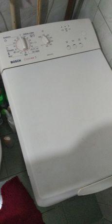 Продам на запчасти стиральную машину  BOSCH