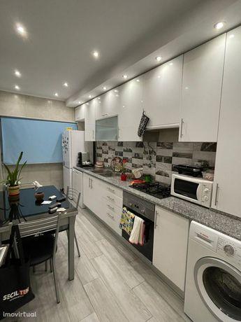 Apartamento t2 remodelado na Quinta da Lomba