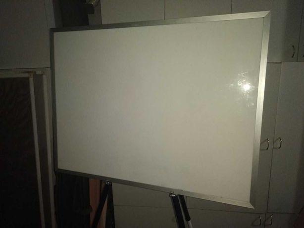 Доска офисная, магнитная, маркерная, для рисования. 60х80 см.