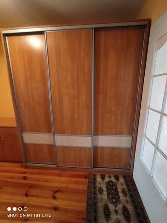 Sprzedam szafę 3 drzwiową przesuwną