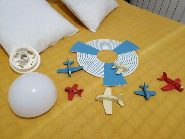 Candeeiro tecto para quarto de criança