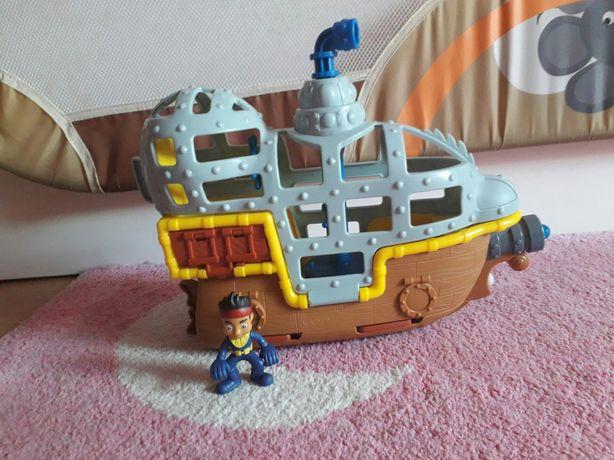 Bucky Submarino