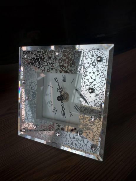 Piękny zegarek home&you na jedna baterie