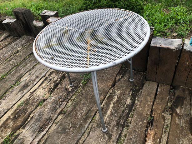 stół metalowy do odnowienia