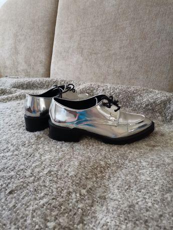 Srebrne pantofle Zara 40