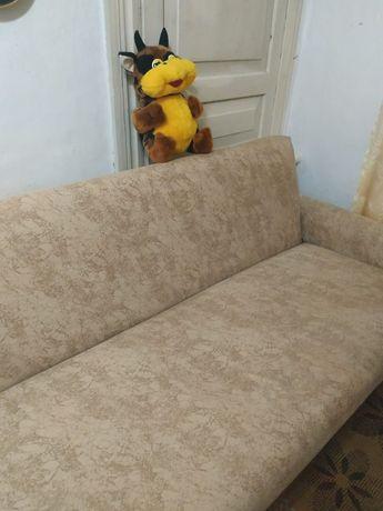 Продам диван Б/У. В хорошем состоянии.