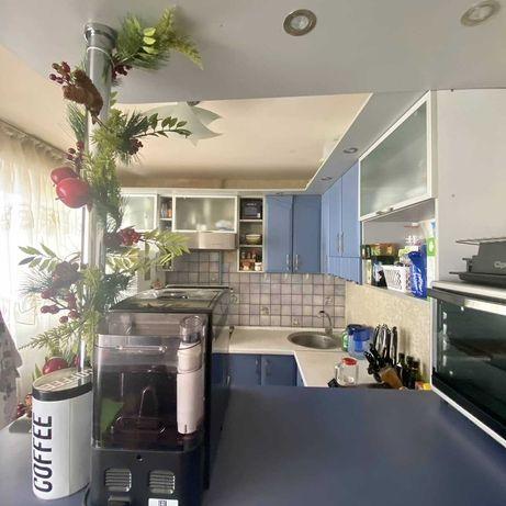 Продам 2 к квартиру центр,Артема средний этаж кирпичного дома