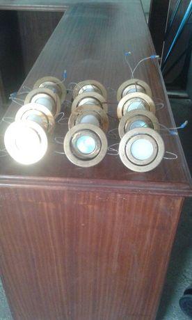 Vendem-se 54 armações algumas com lâmpadas halogéneo