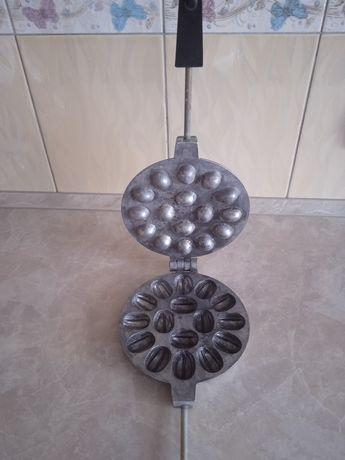 Советская сковородка орешница