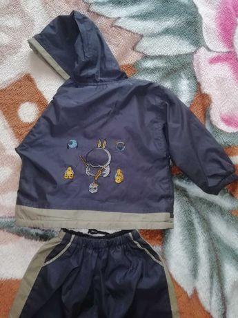 Весенний костюм на мальчика, плащевка на подкладка.