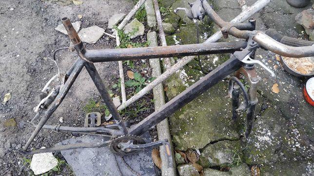 """Рама велосипеда крепкая стальная с педалями, кареткой, рулем под 26"""""""