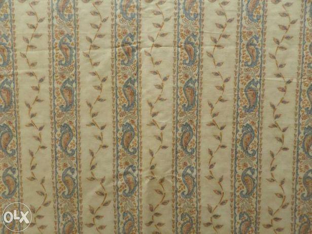13 metros de tecido, marca Warwick Fabrics UK.