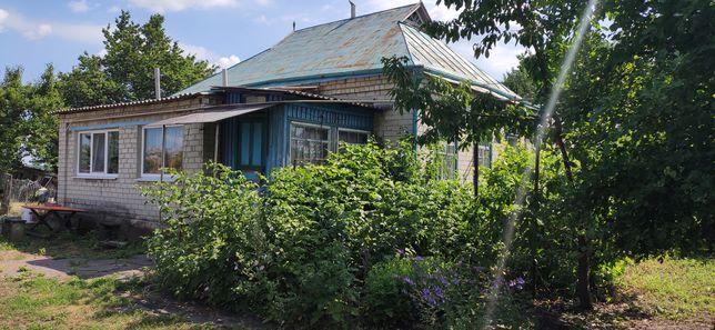 Продам дом, Продається будинок, смт. Семеновка зеленый кут