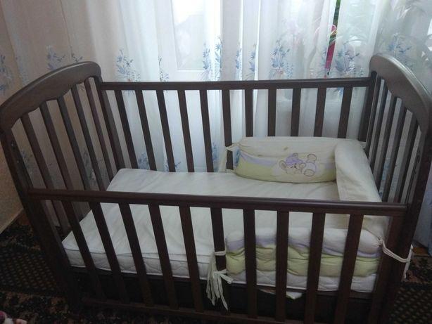Дитяча кроватка б/у