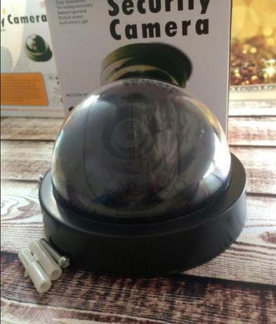 Муляж камеры видеонаблюдения обманка 6688 С светодиодом подвесная