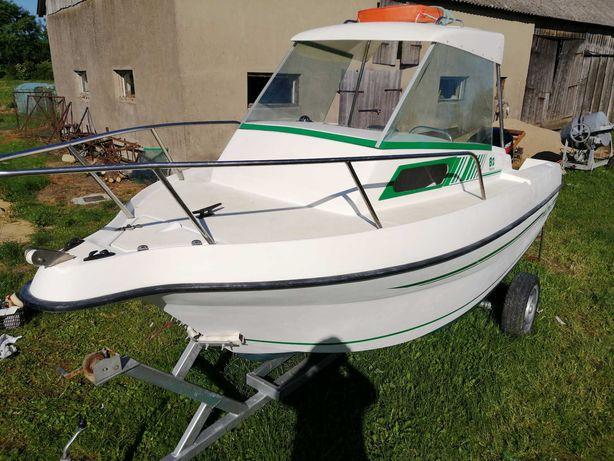 Jacht, łódź motorowa kabinowa + silnik 50 km 4-sów, wtrysk + przyczepa